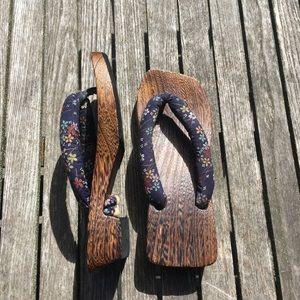 Geisha Style Wooden Thong Sandals